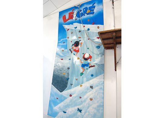 Parede de escalada, escale com a Lé e o Cré
