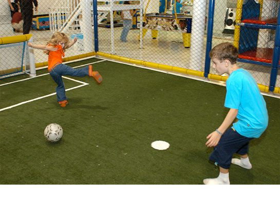 Quadra de futebol, a pátria de chuteiras