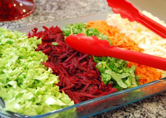 Salada de folhas e legumes